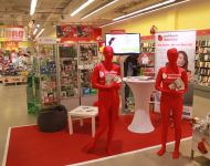 Cash4Web Mastercard - rote Morphsuits mit Branding